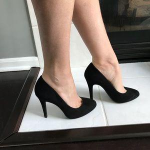 NWT Jessica Simpson black suede heels.Sz.7.